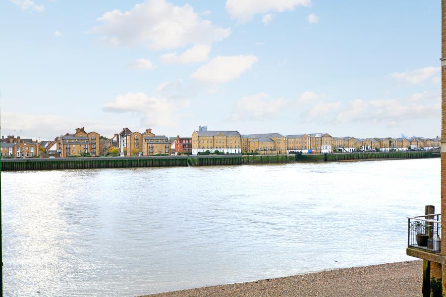Molines Wharf Narrow Street Limehouse E14