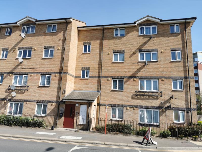 16 Royal Connaught Apartments